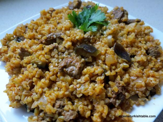 Freekeh with bulgur, eggplants and meat - Firikli Bulgur Pilavi; a delicious & healthy meal.