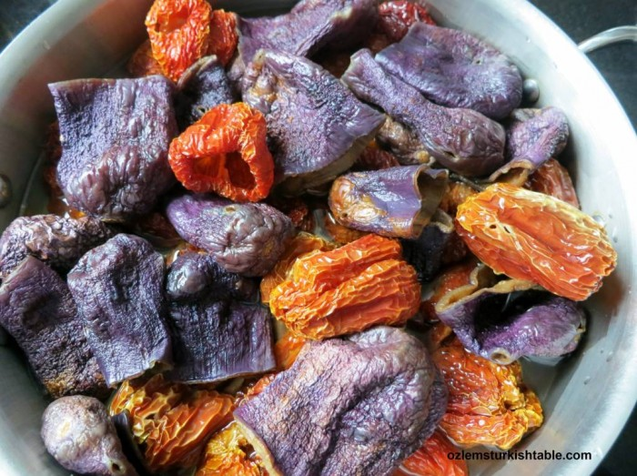 Blanched, rehydrated dried eggplants and peppers