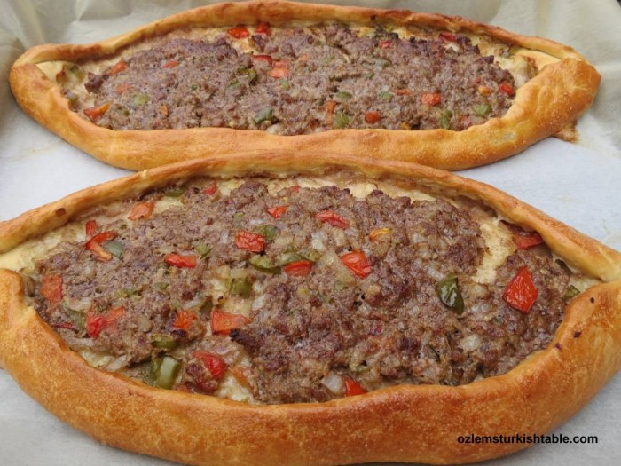 Kiymali Pide, Turkish flat breads with meat and vegetables topping, freshly baked