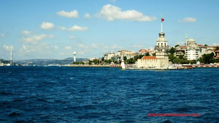 The Bosphorus bridge, Kiz Kulesi - the Maiden tower and the glorious Bosphorus