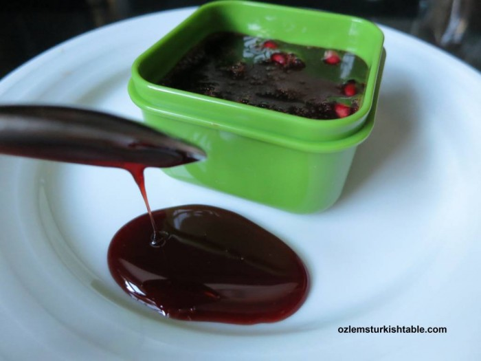Homemade pomegranate molasses, nar eksisi, ready to use