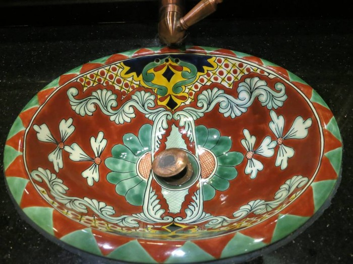 Could you believe this beautifully painted piece of work is a hand wash basin?