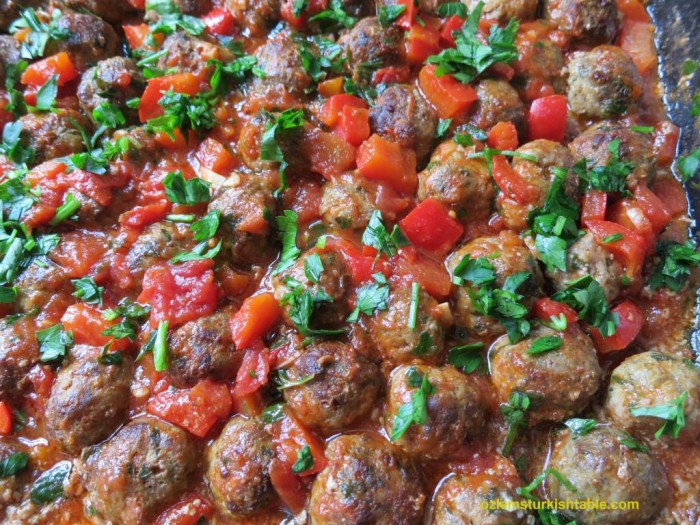 Baked mini Turkish meatballs in tomato and pepper sauce