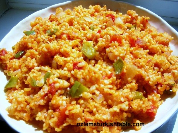 Bulgur wheat pilaf with onions, tomatoes and peppers