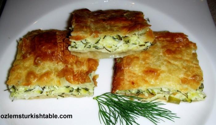 Kabakli, peynirli borek; Zucchini, feta and dill filo pastry