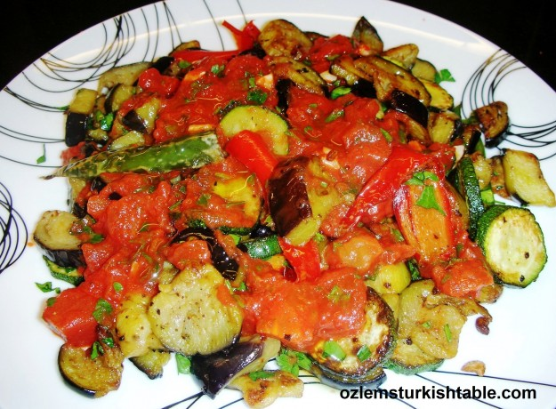 Patlicanli, kabakli saksuka; fried eggplants and zucchini in tomato and red pepper paste sauce
