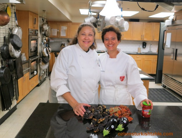 CM Chef Cindy and others kindly helped feed 40 Turkish food lovers at the class