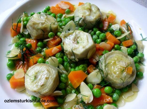 Artichokes in olive oil, Em tennis, almond bulgur, lokum first p 015