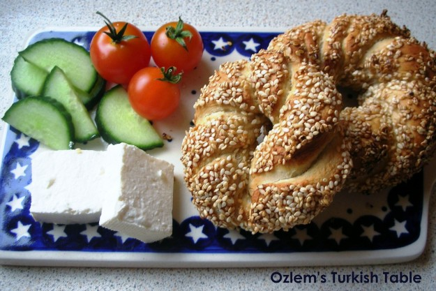 Simit, sesame encrusted bread rings must be the most popular street food in Turkey.