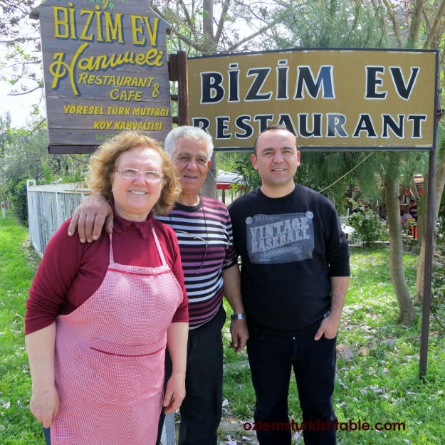 Hatice Hanim and family, at Bizimev Hanimeli
