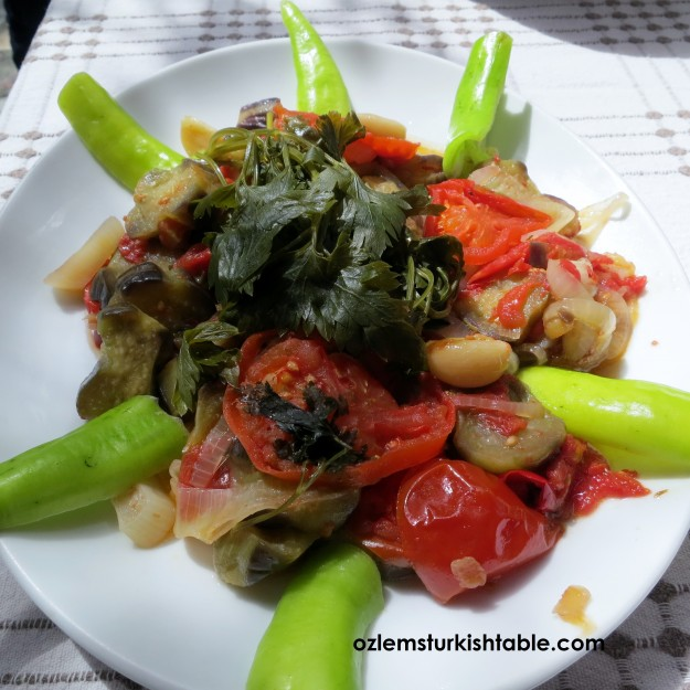 Zeytinyagli Patlican; eggplants cooked in olive oil with vegetables