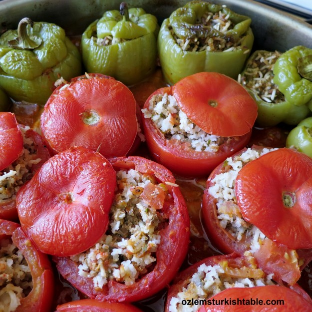 Once cooked, pour a little of the dolmas' delicious sauce over each stuffed pepper, tomato before serving.