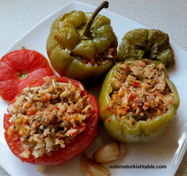 Domates ve biber dolmasi; stuffed tomatoes and peppers; delicious & gluten-free