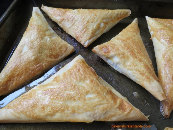 Spinach & feta filled filo triangles, Muska Boregi