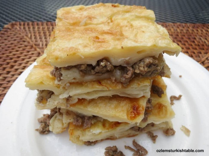 Turkish tray bake pastry with ground meat and onions; Kiymali tepsi boregi