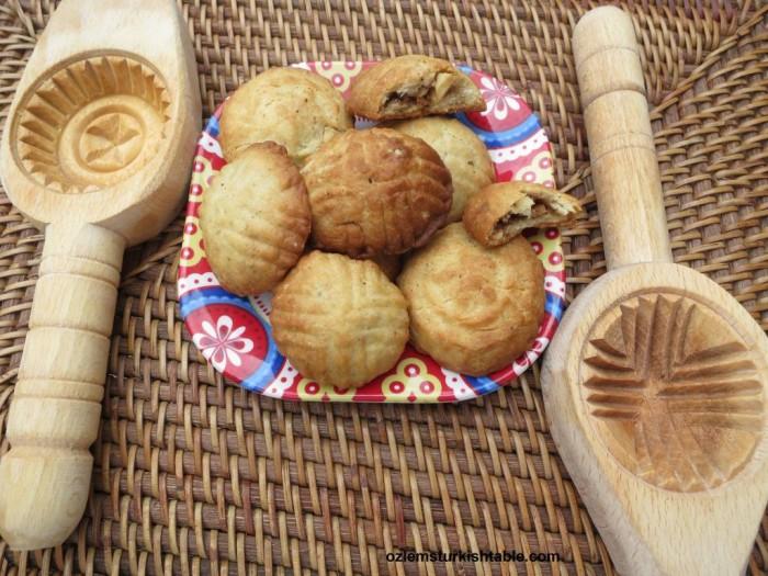 Antakya's kombe cookies with walnuts and cinnamon