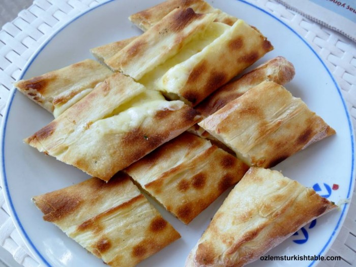 Sade Peynirli pide; pide with mild cheddar cheese - one of the many we enjoyed while in Bodrum