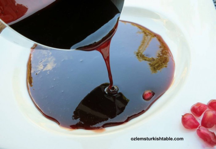 Homemade pomegranate molasses, Nar Eksisi