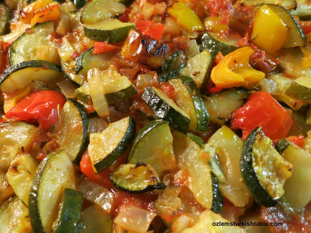 Healthy turkish vegetarian dishes ozlems turkish table baked vegetables with olive oil in tomato sauce easy healthy and gluten free forumfinder Images