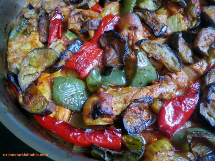 Baked eggplant kebab with chicken, onions, peppers; Patlicanli Tepsi Kebabi