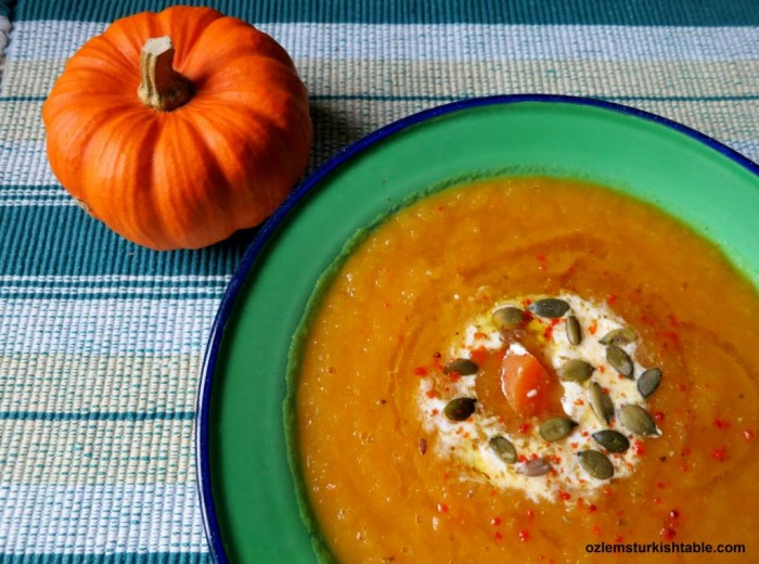 Delicious and easy to make pumpkin soup, flavored with spices and yoghurt