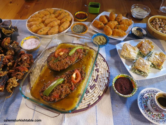 My online Turkish cookery course covers step by step demonstrations of 4 classic Turkish recipes, including stuffed aubergines/eggplants (karniyarik), potato & bulgur rolls, spinach and feta filo pastry, Ispanakli Borek and Turkish Coffee